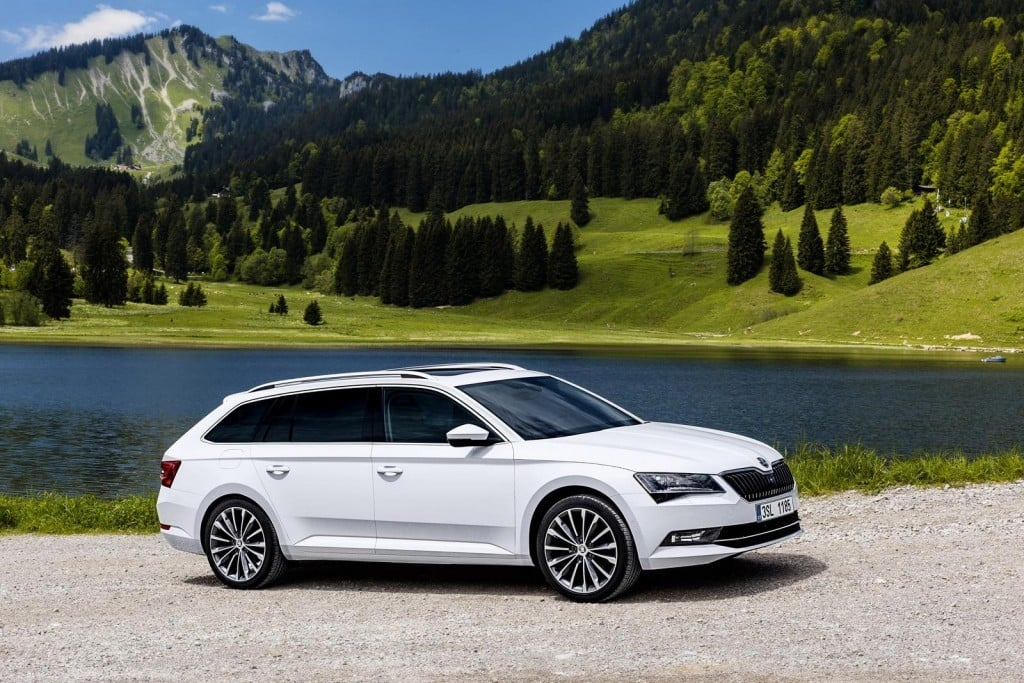 Skoda Superb Combi pictures