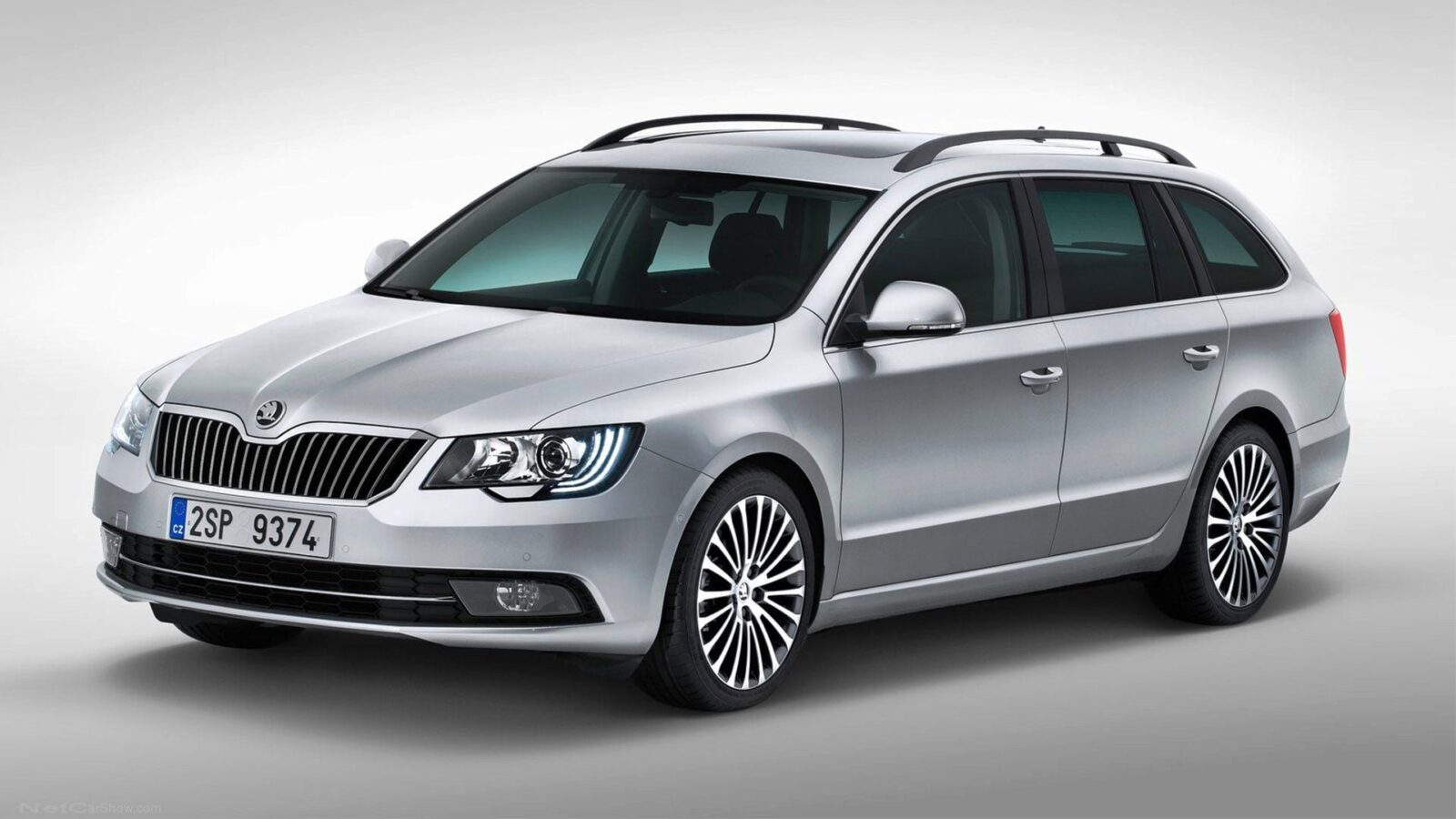 13 skoda superb combi wallpapers hd download. Black Bedroom Furniture Sets. Home Design Ideas