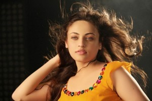 Sneha Ullal hair background