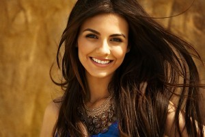 Victoria Justice HD 1080p wallpaper