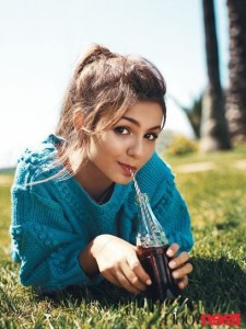 Photo of Victoria Justice with coca cola