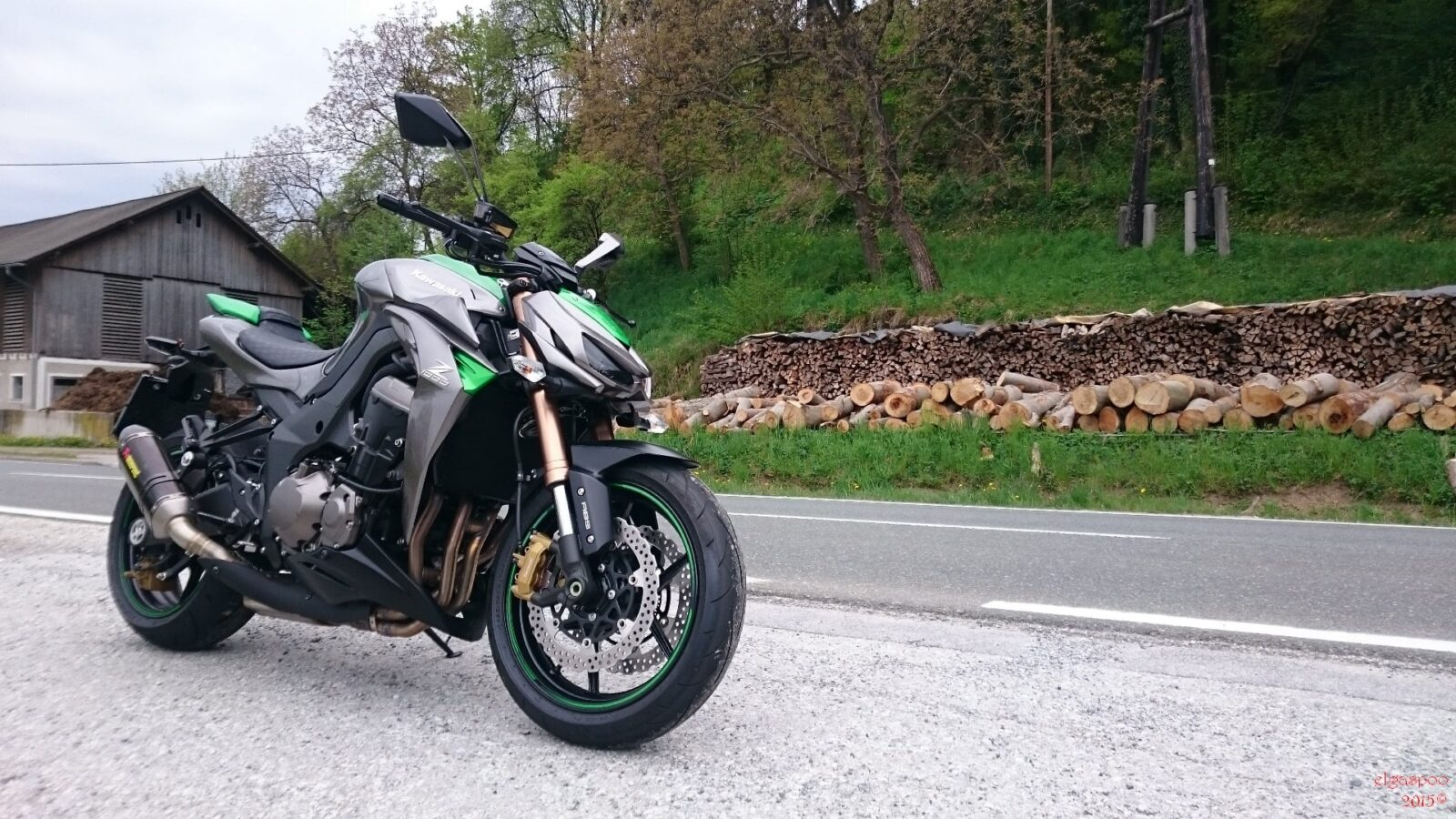 Black Kawasaki Z1000 Pictures