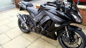black Kawasaki Z1000sx High Resolution