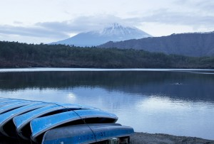 lake mount Fuji background