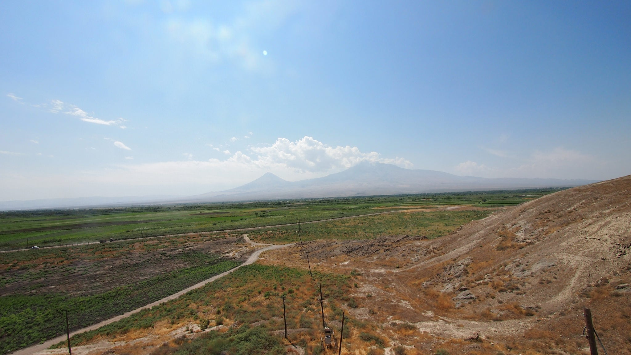 Image of long trap to the mount Ararat
