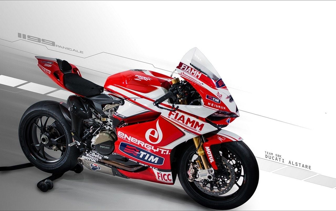 racing Ducati 1199 Panigale background