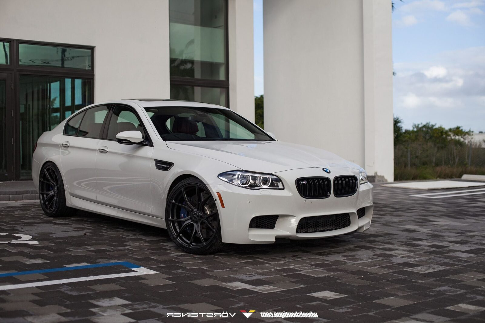 36 bmw m5 f10 wallpapers hd high quality download. Black Bedroom Furniture Sets. Home Design Ideas