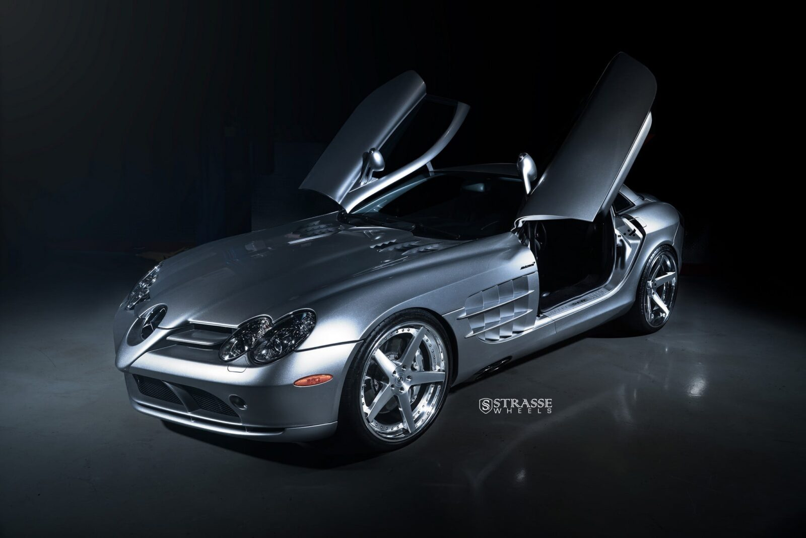 2016 Mercedes Benz SLR McLaren wallpapers