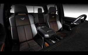 2016 Nissan Titan Warrior interior pictures