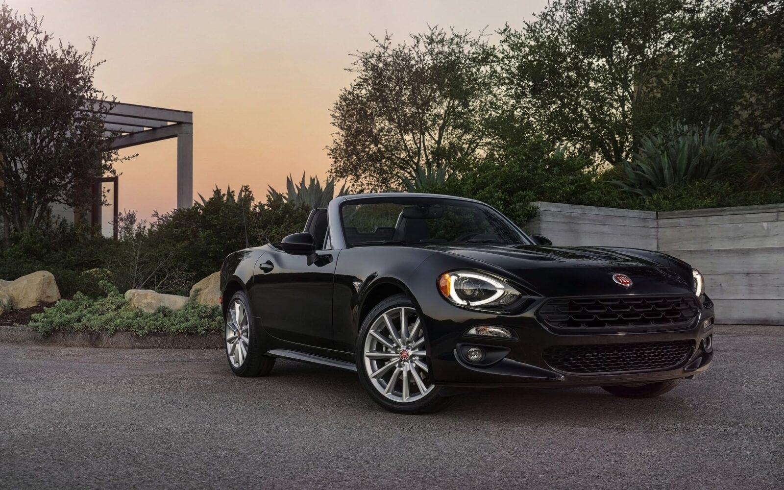 2017 Fiat 124 Spider HD pic for PC