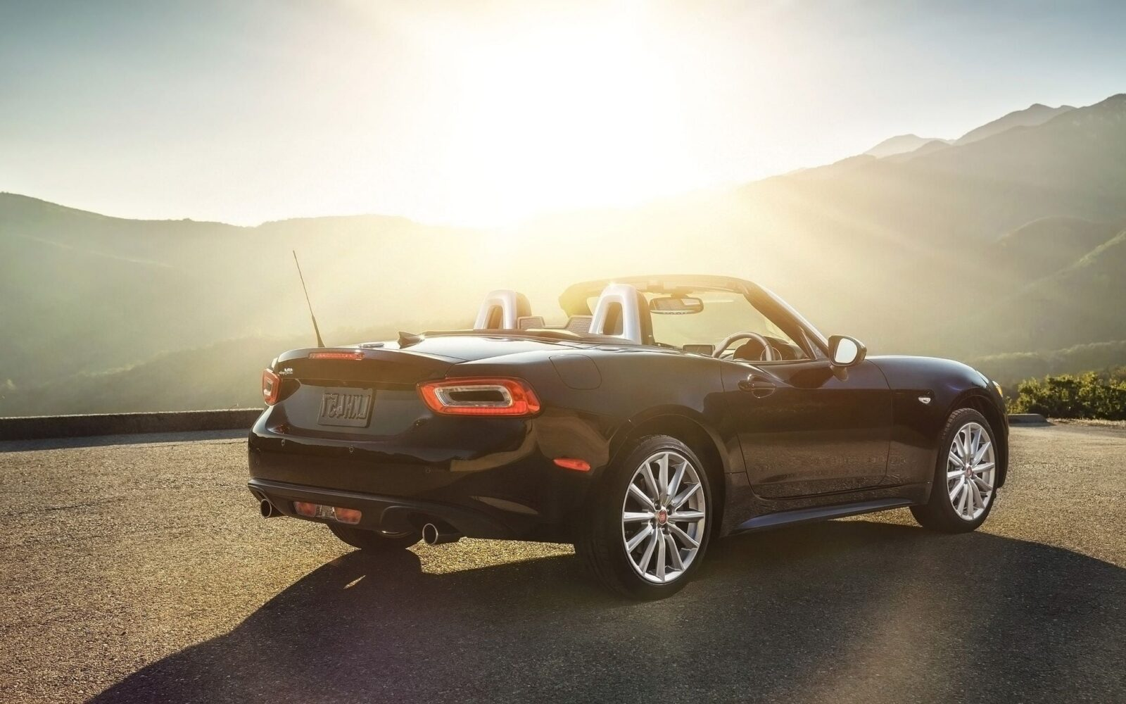 2017 Fiat 124 Spider Wallpapers Hd High Quality