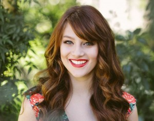 Aubrey Peeples smile computer wallpaper