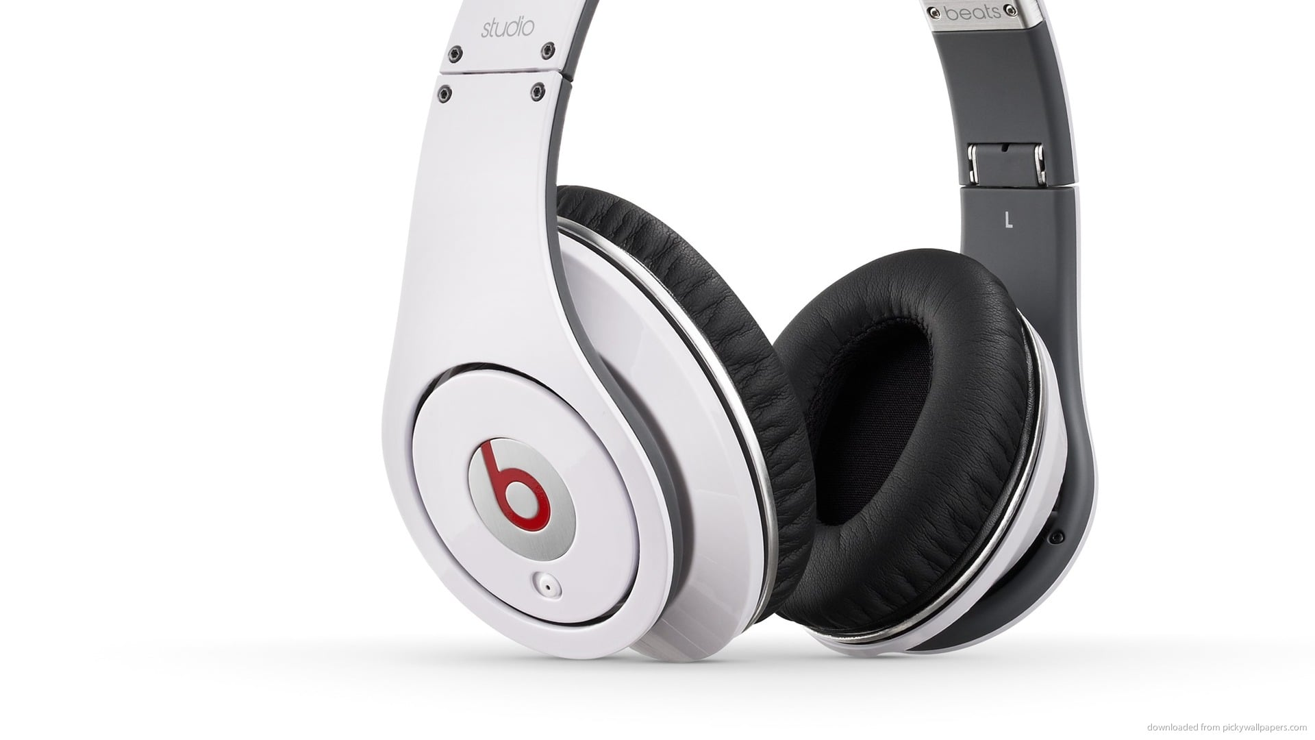 Awesome Beats By Dr Dre white studio picture