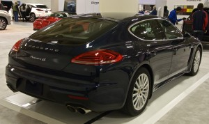 Black Porsche Panamera 2016 wallpapers