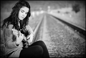 Cute girl with guitar wallpaper download