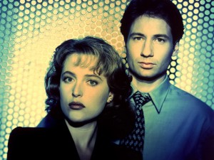 Cool David Duchovny Fox Mulder Gillian Anderson as Dana Scully photo