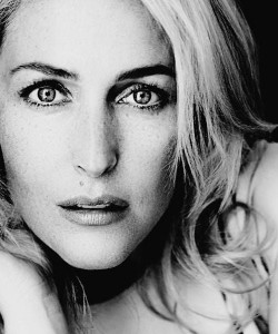 Gillian Anderson bw High Quality wallpapers