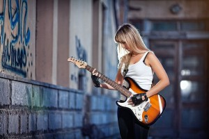 Girl with guitar desktop HD