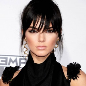 Kendall Jenner earrings snakes new wallpapers