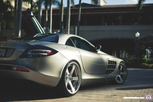 Mercedes Benz SLR McLaren wallpaper download