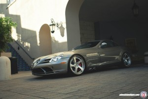 Image of Mercedes Benz SLR McLaren