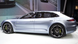 Porsche Panamera 2016 side 1920x1080 wallpaper