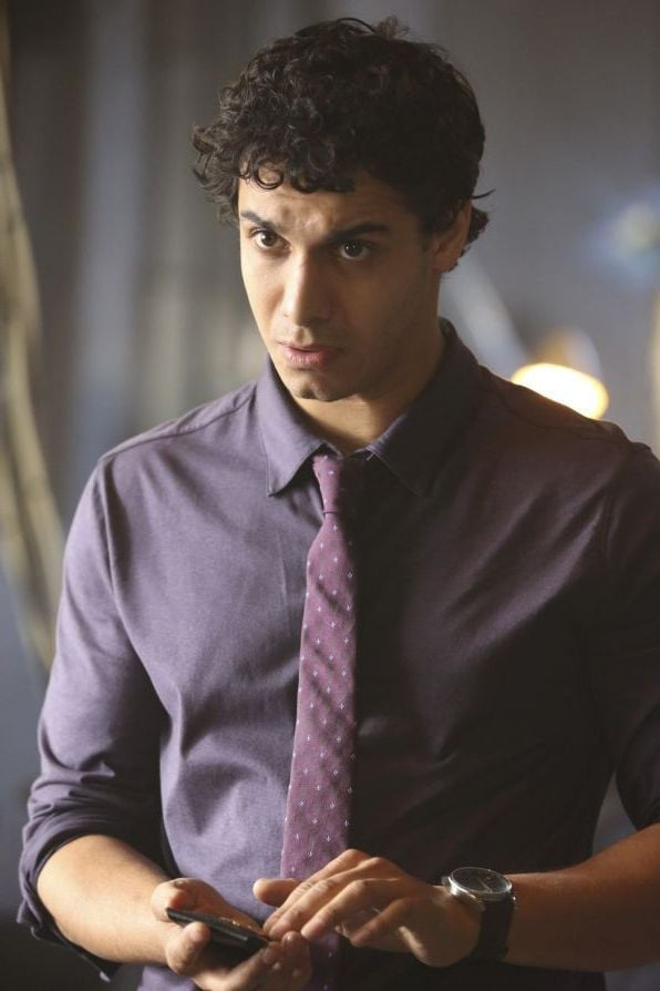 Scorpion Elyes Gabel as Walter Obrien backgrounds