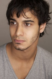 Walter O'brien as Elyes Gabel photo