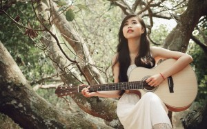 asian girl with guitar picture