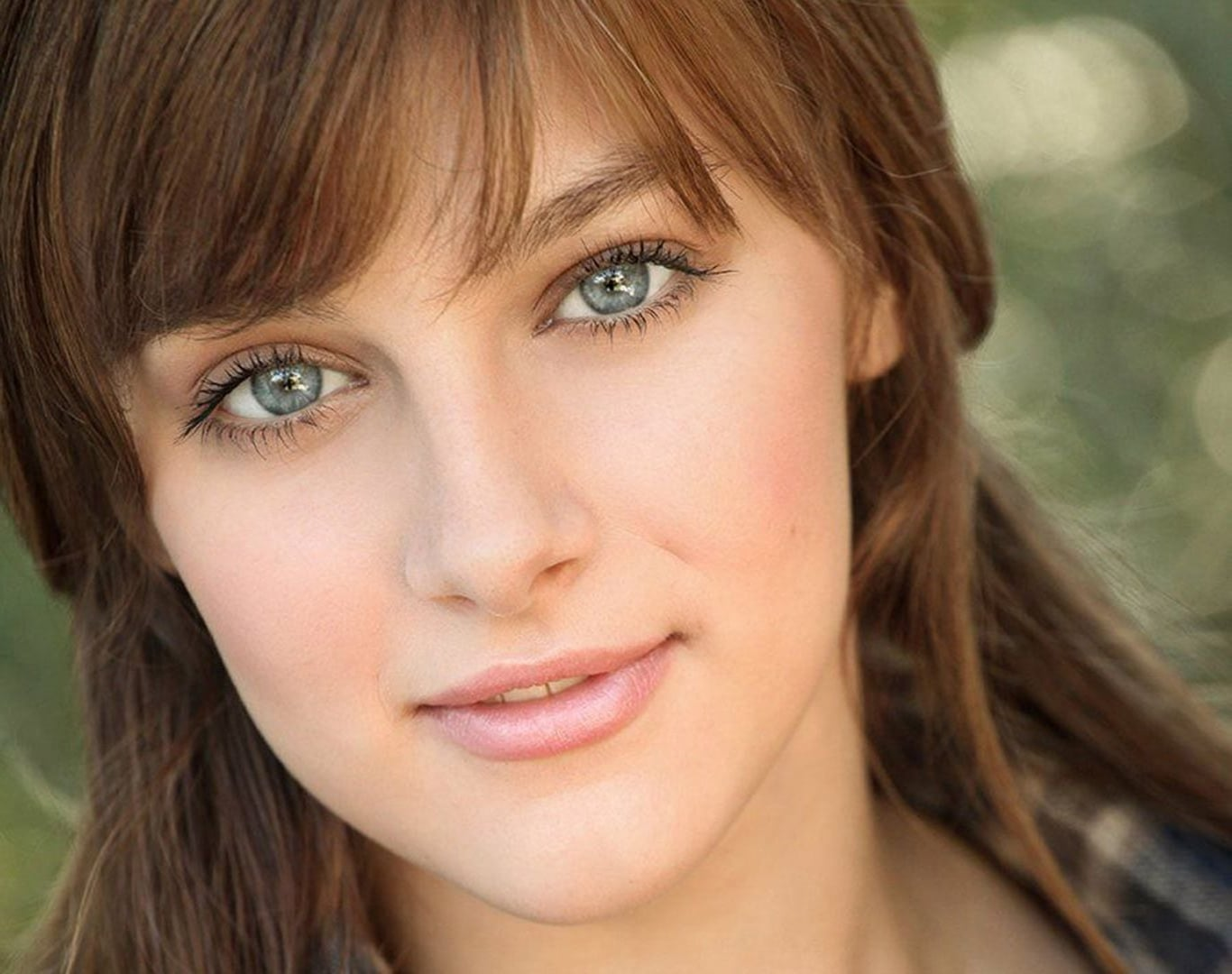 cute Aubrey Peeples wallpapers