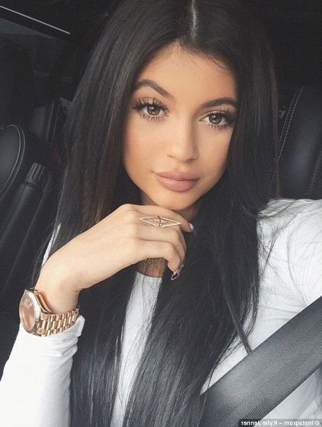 25 Kylie Jenner Wallpapers Hd High Quality