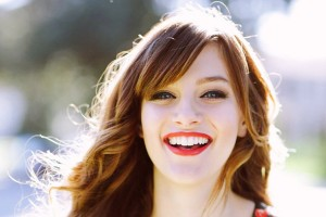 smile Aubrey Peeples HD wallpapers