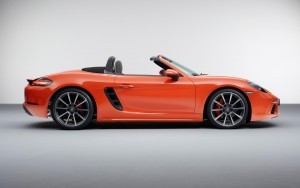 Amazing 2016 Porsche 718 Boxster S side picture