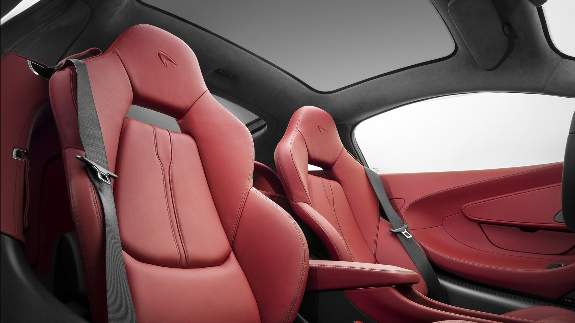 Awesome 2016 McLaren 570GT interior pictures
