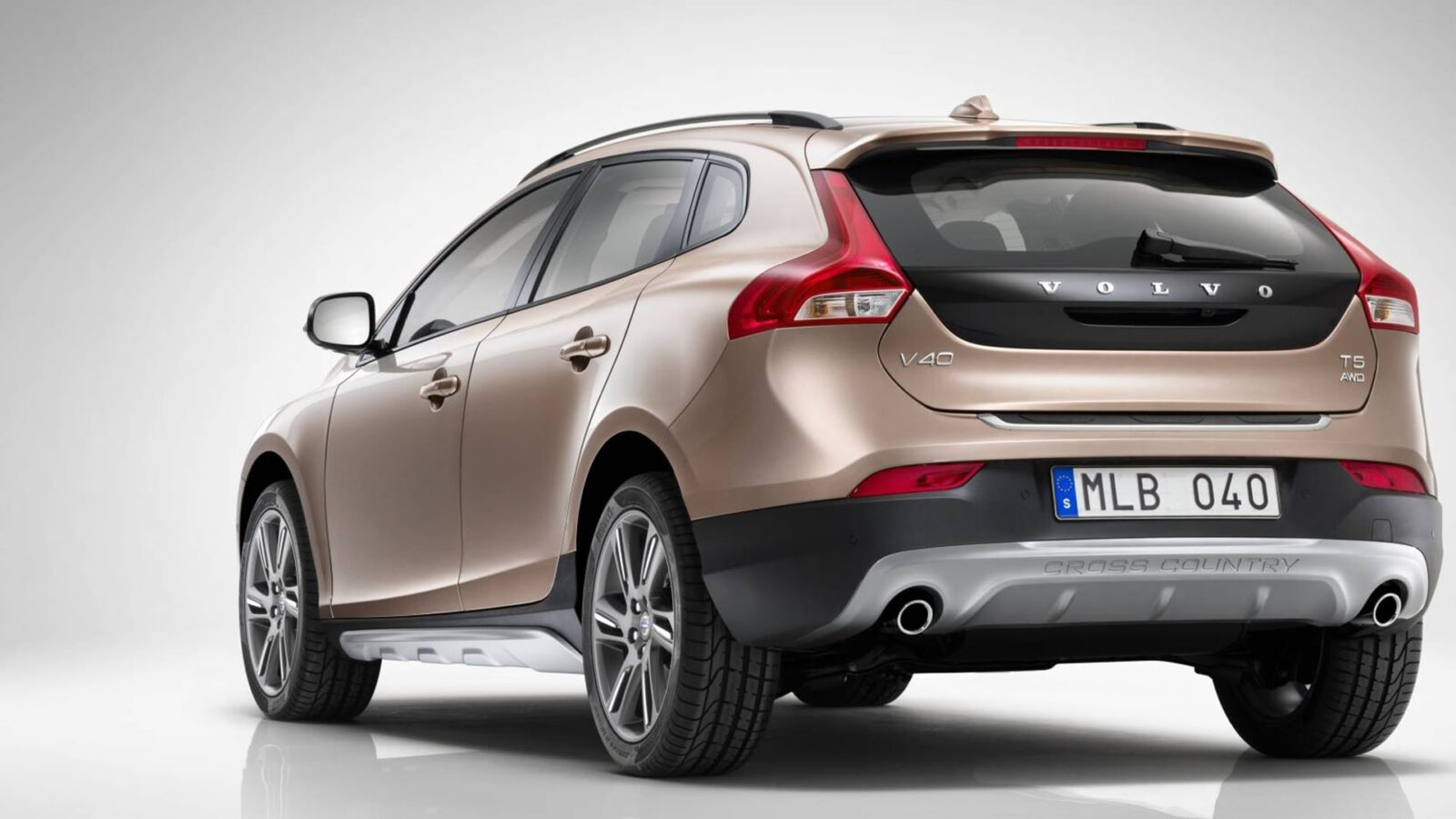 2016 Volvo V40 Cross Country HD Wallpapers Download