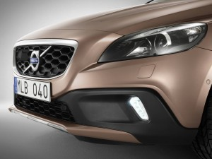 Image of 2016 Volvo V40 Cross Country front bumper for iPhone