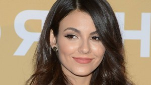 Victoria Justice wallpaper download