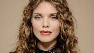 Annalynne McCord full HD image