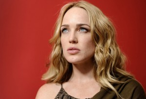 Caity Lotz 1920x1080 wallpaper