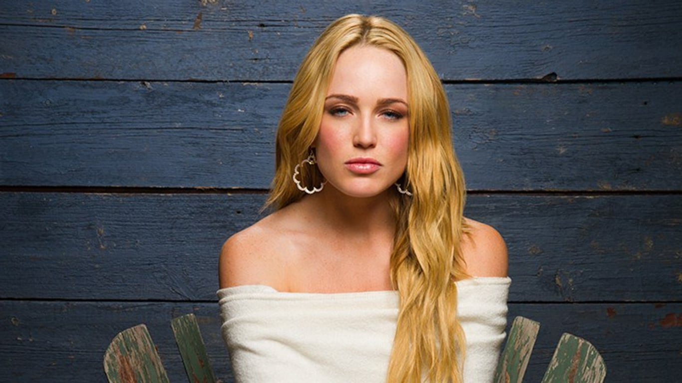 caity lotz hd wallpapers free download