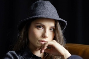 Charlotte Riley in hat photo