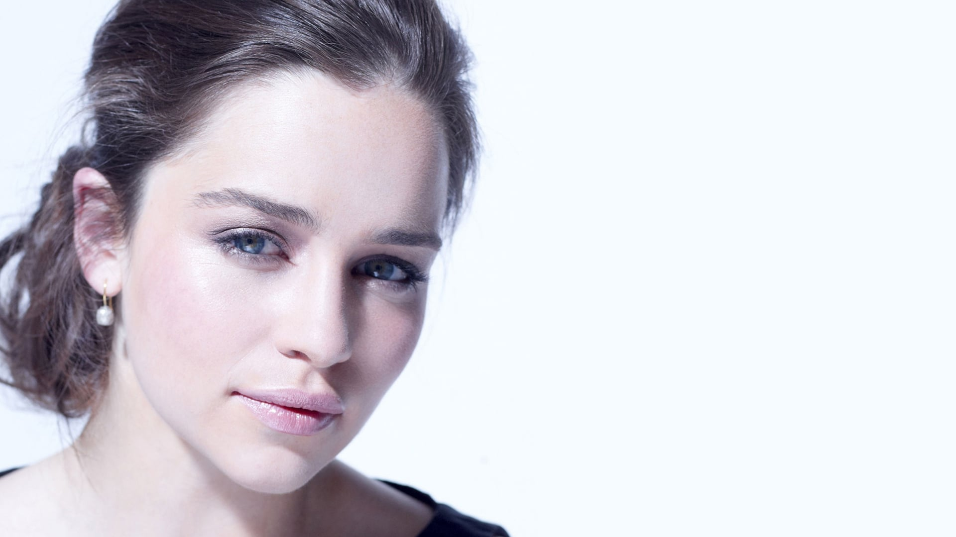 Emilia Clarke HD pic for PC