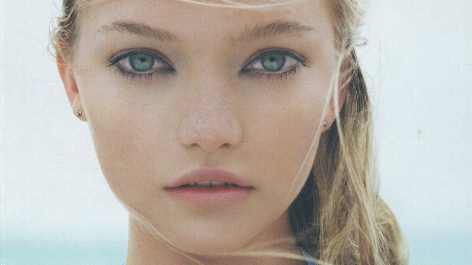 Image of Gemma Ward for iPhone