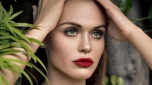New Holland Roden makeup 2016 wallpaper