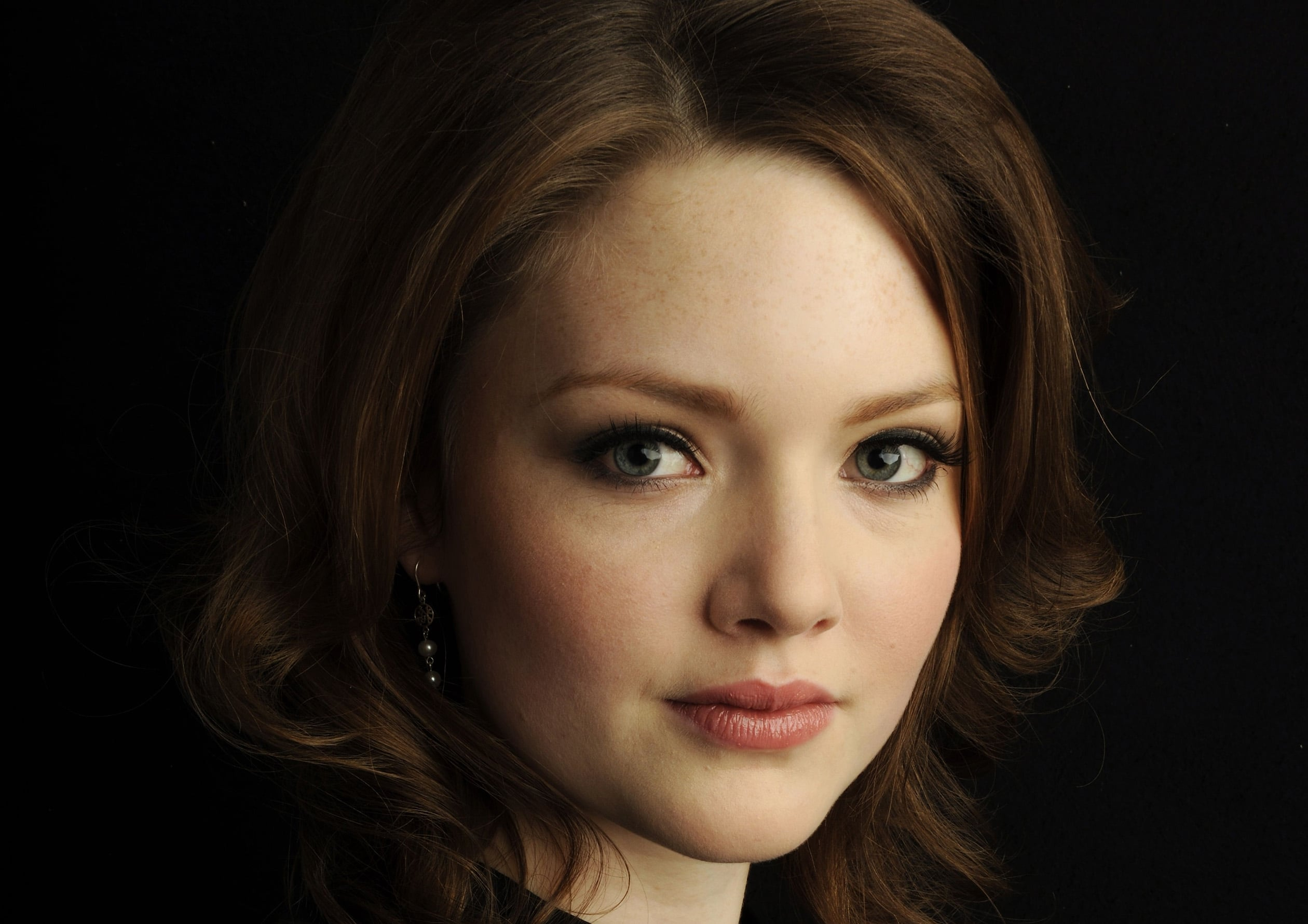 Holliday Grainger HD wallpapers free Download