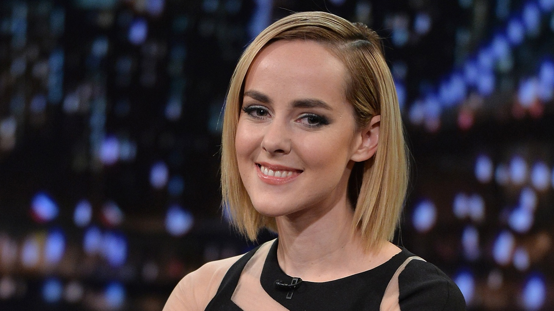 Jena Malone smile computer wallpaper