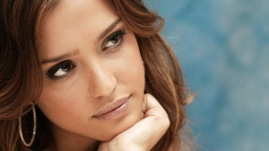 Jessica Alba eyes new wallpapers