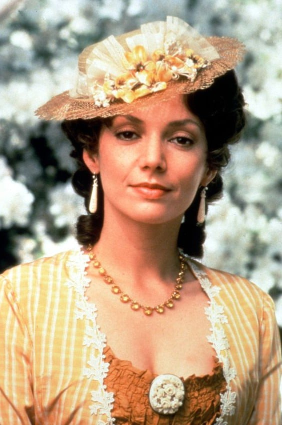 Joanne Whalley iPhone wallpaper