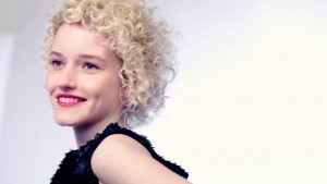 Julia Garner smile photo