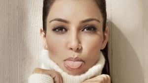 Kim Kardashian tungue full HD image